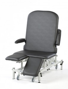 Seers Medical Bariatric Split Leg rest Couch